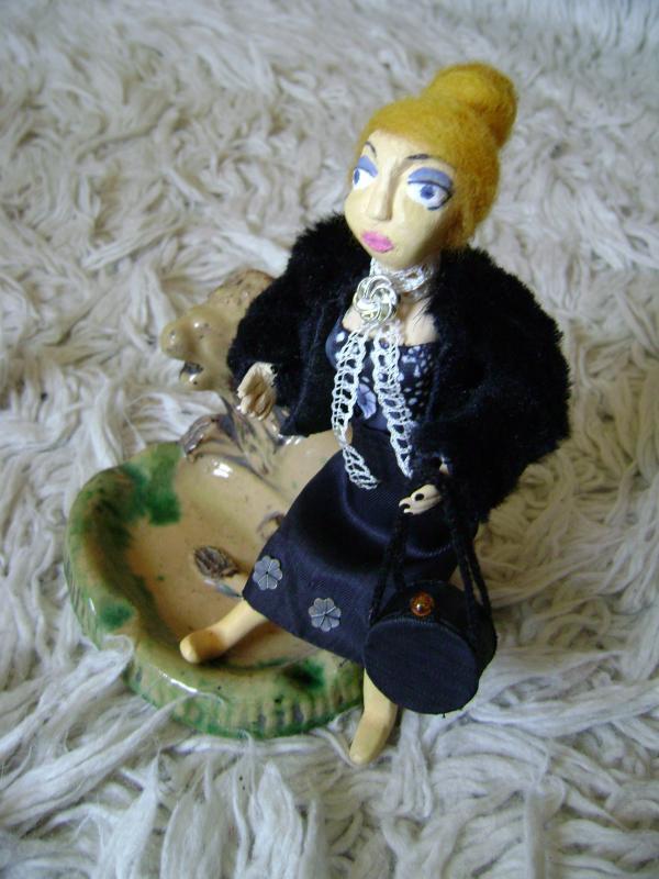Lėlė Letinija, interjero aksesuaras ;)