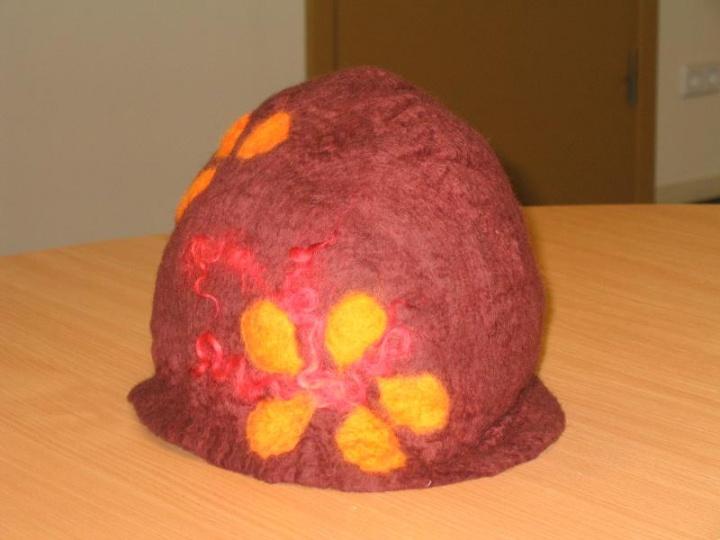 Ruda kepuraitė