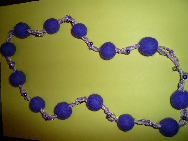 violetinis suktinukas