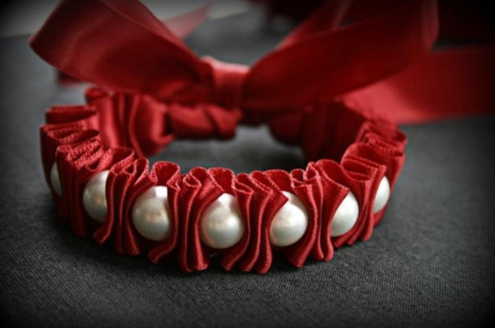 Красивые браслеты из ленточек своими руками 17