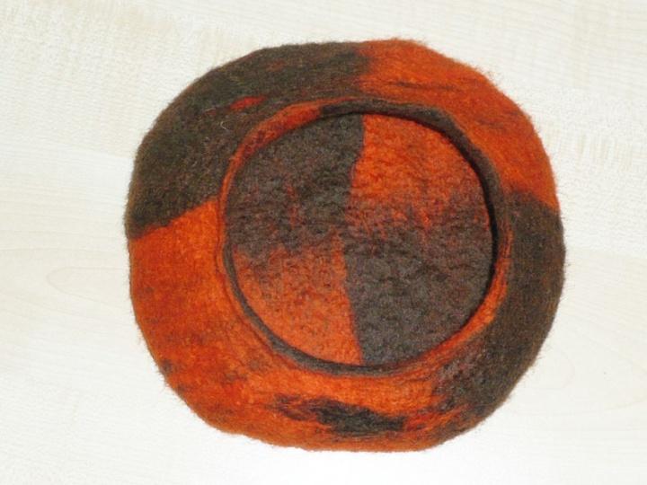 Rudai oranžinis krepšelis