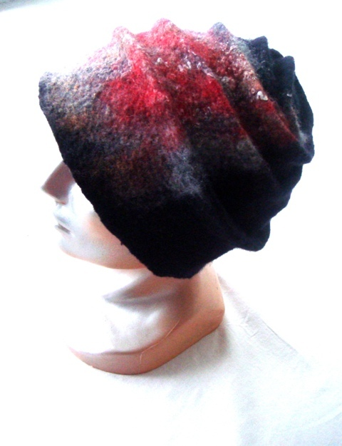 Velta merino vilnos kepure-melyna/raudon
