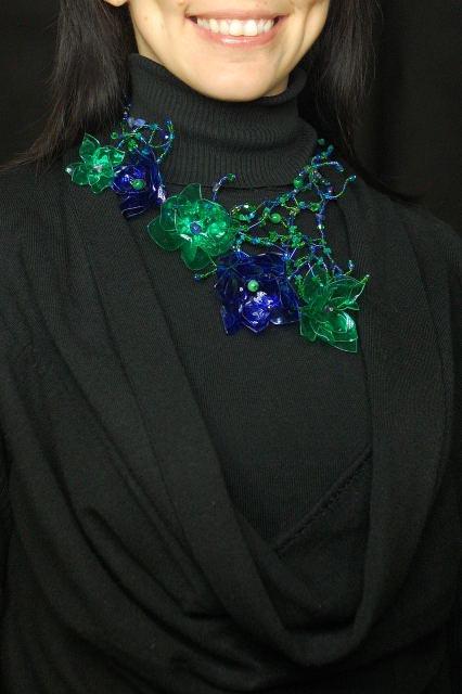 Žaliai-mėlynas
