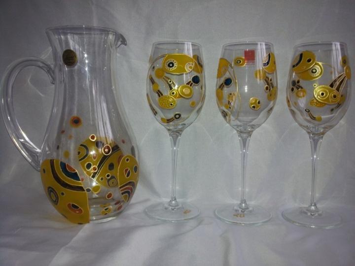 Ąsotis ir 6 taurės