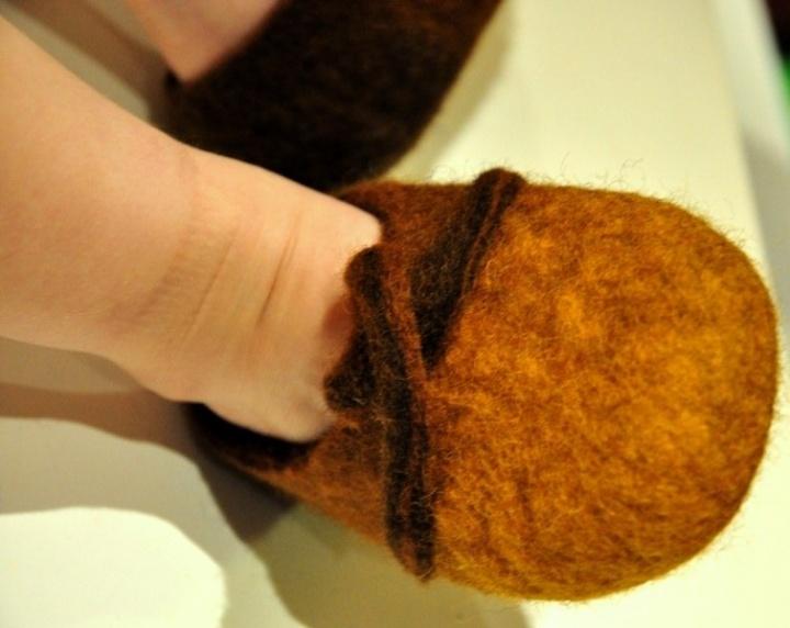 Mažosios šlepetukės mažajam nykštukui