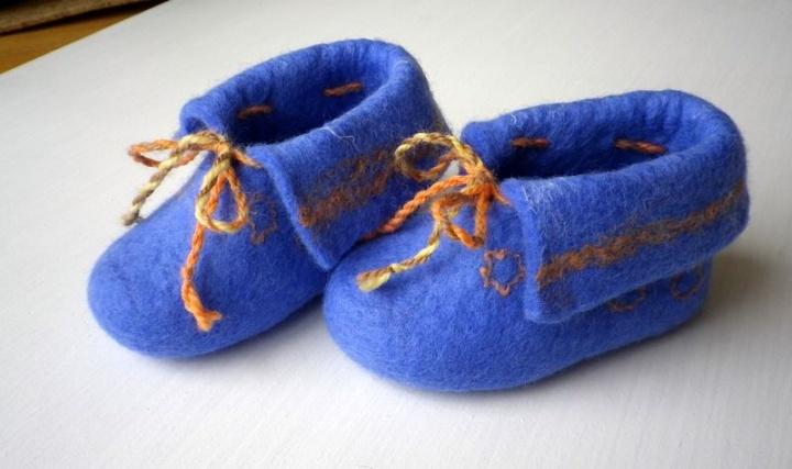 Mėlyni batukai leliukui