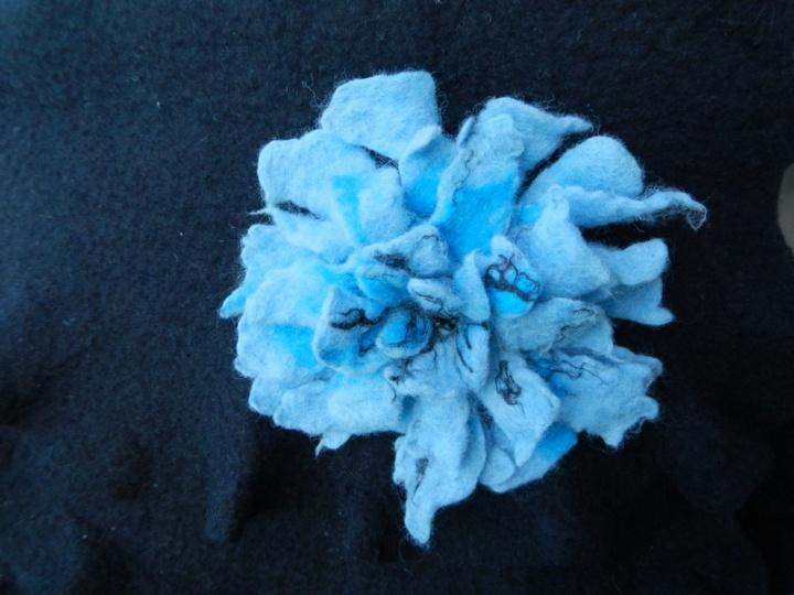 """Rankinė, šalis, gėlė """"Mėlyna-juoda """""""