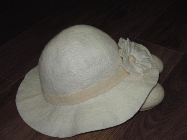 Skrybėliukas krikštynoms