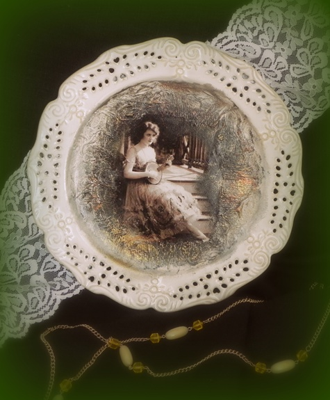 Dekoruota lėkštė a la vintage