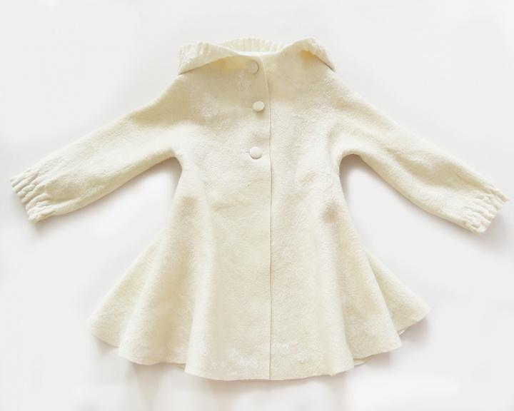 Mergaitiškas krikštynų paltukas