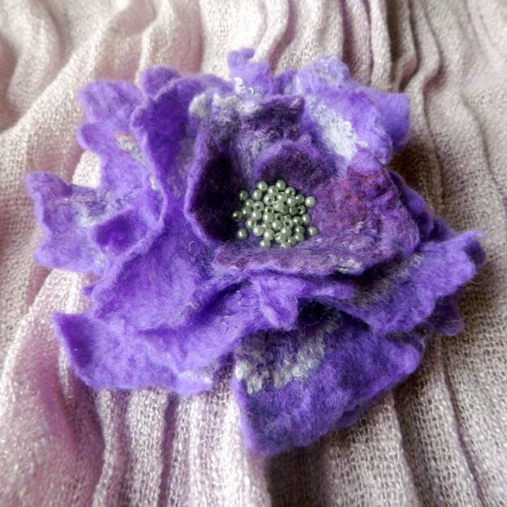 """""""Violetinė su perlais"""""""