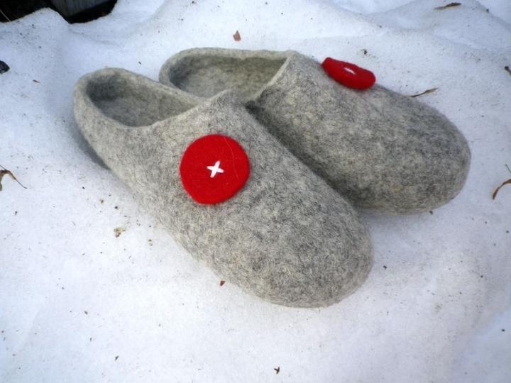 Tapkutės išėję pasivaikščioti ant sniego