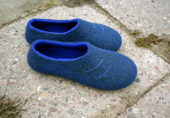 Vyriškos mėlynos tapkutės