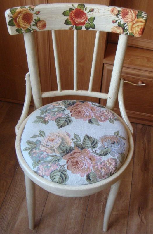 Dekupažuota kėdė