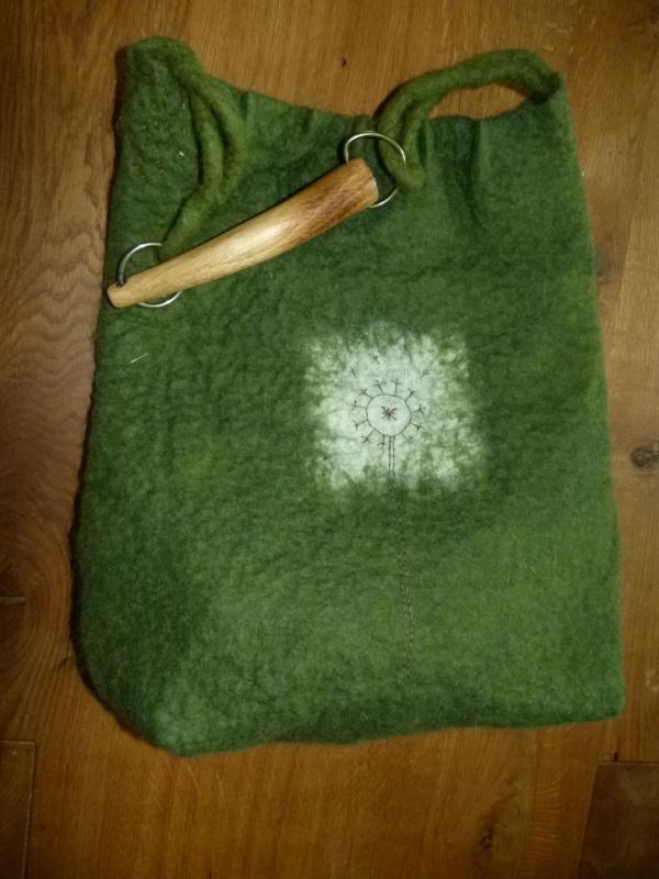 gražios idėjos pagauta... velta žalia rankinė