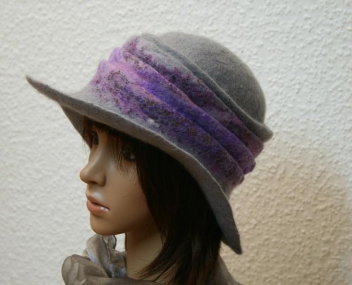 """Skrybėlaitė """"Pilka  ir  violetinė """""""