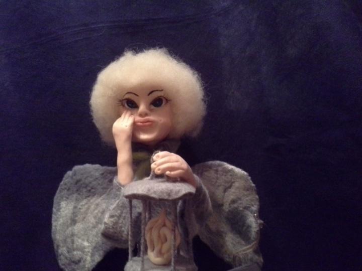 Angelas Celestinas. Inerjero lėlė.