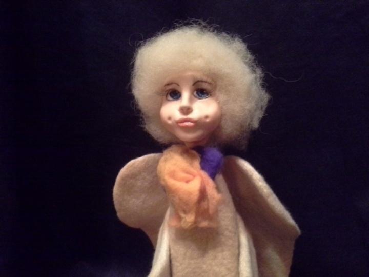 Angelas Leonardas. Interjero lėlė.
