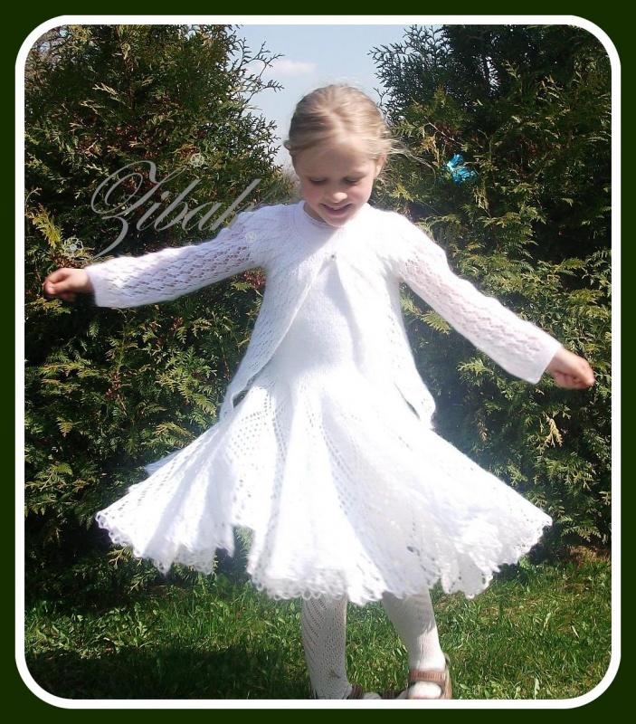 Balta mocherine suknele