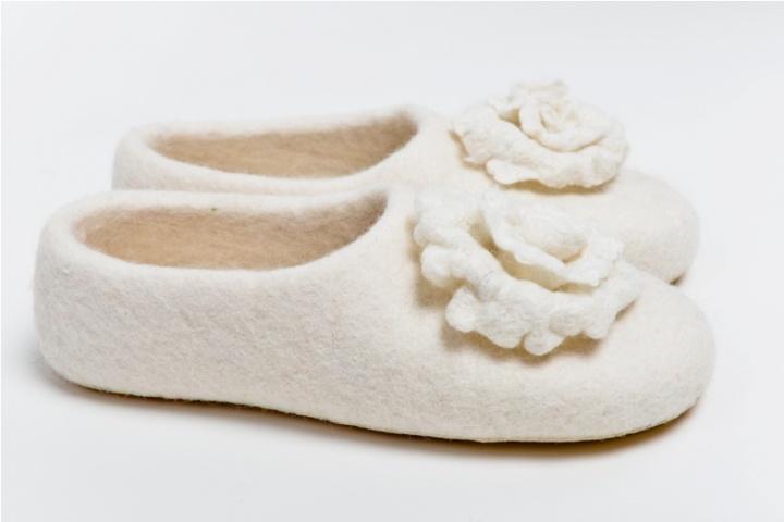 Balta žiemos rožytė