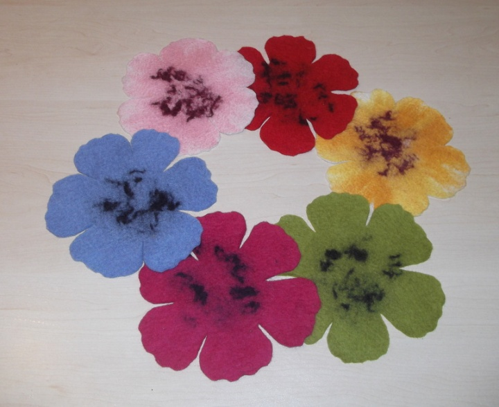 gėlės-servėtėlės