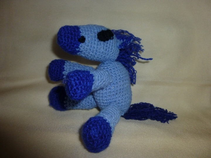 mėlynas arklys