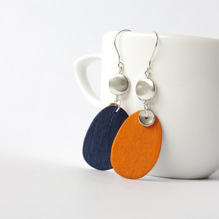 Oranžiniai ovalai - mediniai auskarai