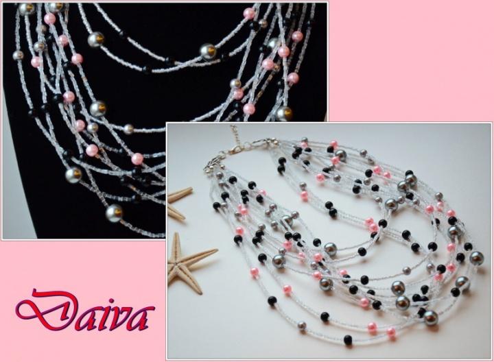 Stiklinių perlų vėrinys