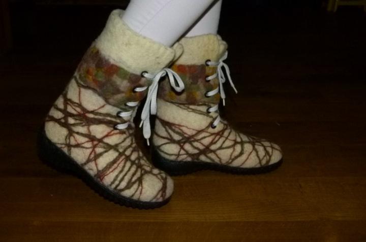 "velti bata ""siūlai, siūlai susivykit..."""