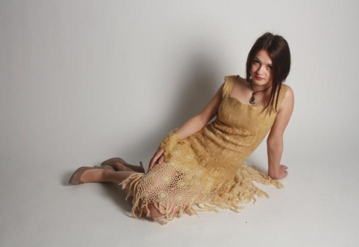 Vienetinė natūralistės suknelė