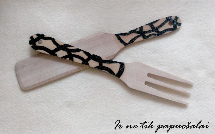 Medinė šakutė ir mentelė