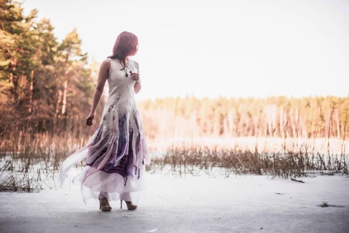 Nestandartinė vestuvunė suknelė