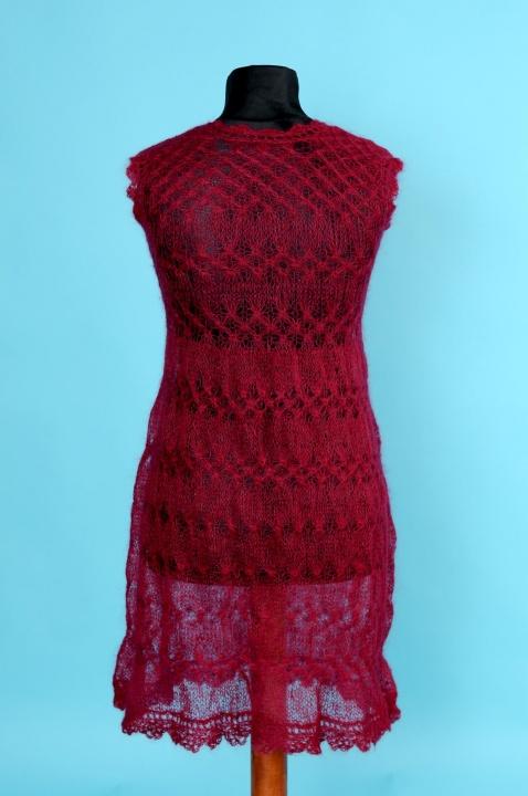 Proginė suknelė su riešinėmis