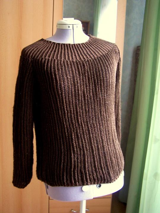 rudas megztinukas