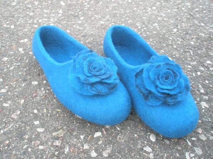 šlepetės- bateliai