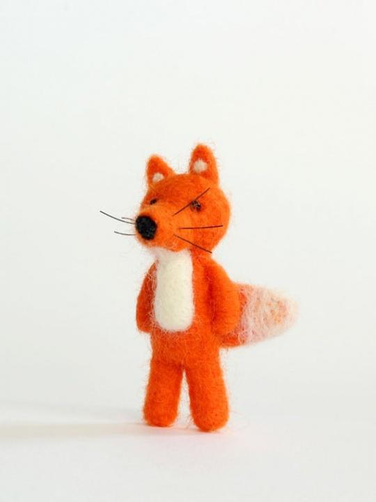 Velta Oranžinė Lapė-sagė