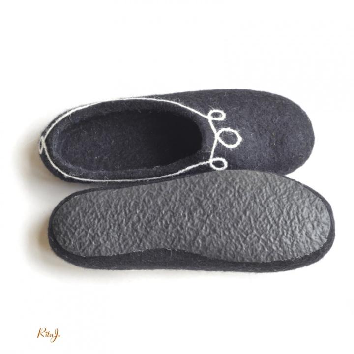 Veltinio šlepetės/ felted slipper Black
