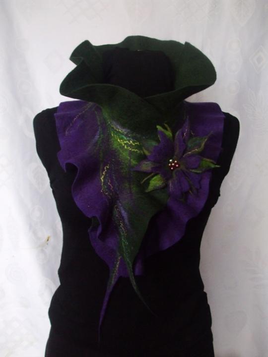 Violetinis zalias veltas salikas
