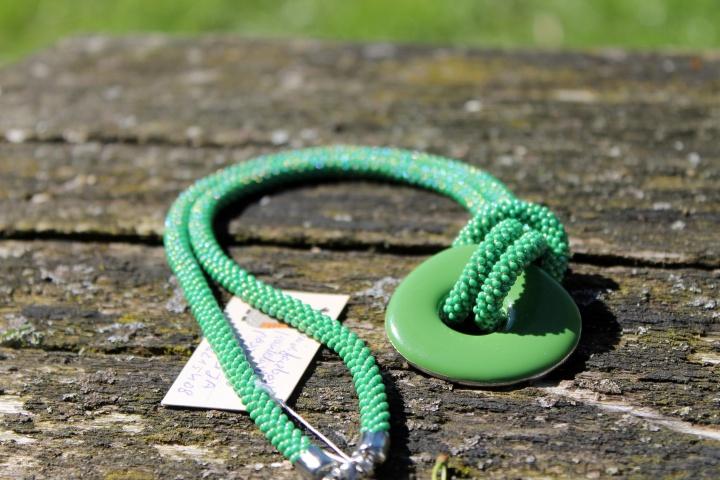 Žalias vėrinys (žgutas) rankų darbas