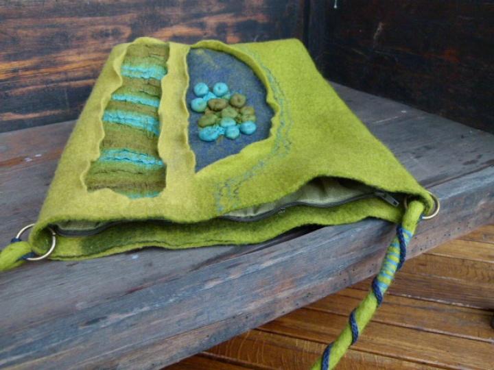 """Žalios spalvos velta rankinė """"žalioji"""""""