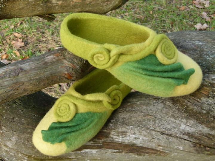"""Žalios veltos moteriškos šlepetės """"Dovana"""""""