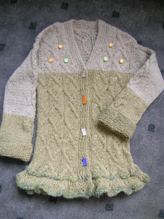 ilgas megztinis mazai mergytei