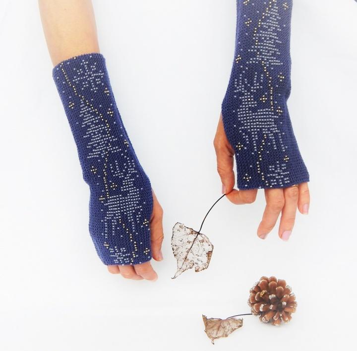 Ilgos riešinės / mėlynos kašmyro vilnos bepirštės pirštinės 'Žiemos naktys'