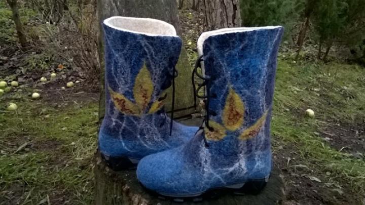 Iš natūralios vilnos velti batai dukrytei