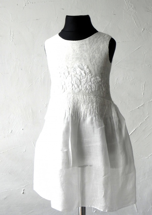 Krištynų suknele