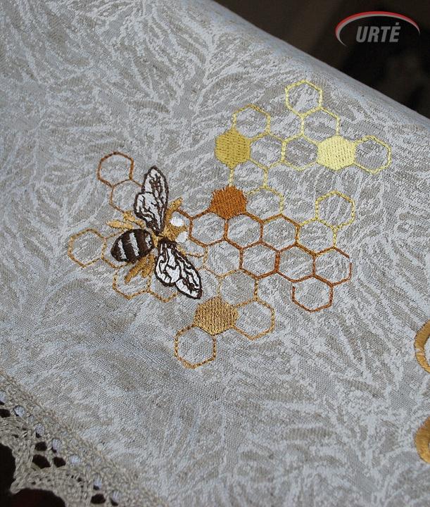 Lininė siuvinėta staltiesė bitininkui
