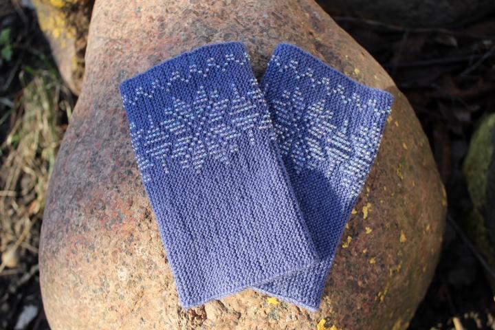 Mėlynai pilkos, tradicinio rašto, kašmyro vilnos riešinės