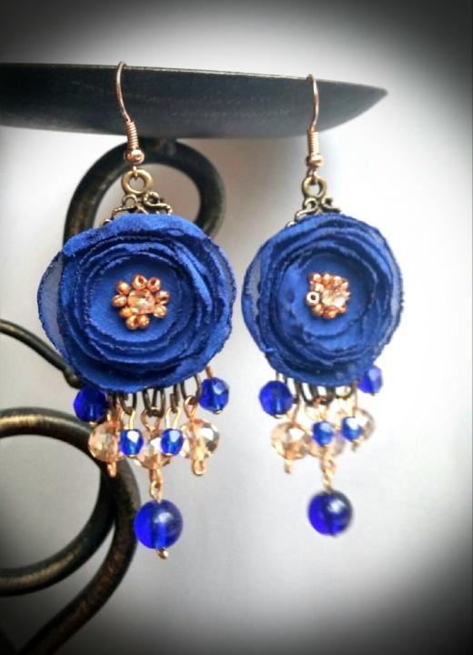 Mėlyni gėlių auskarai