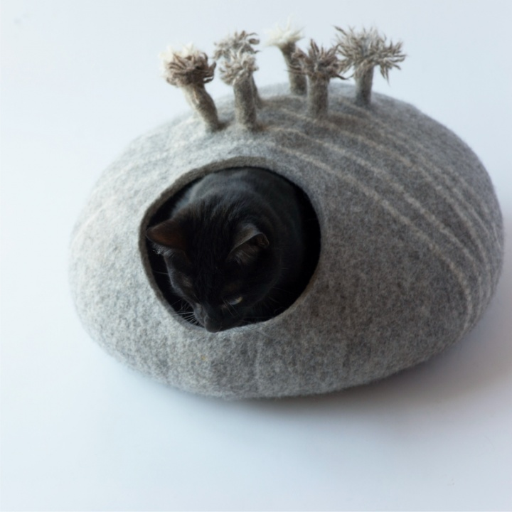 Natūralios vilnos guolis/cat cave from eco friendly wool
