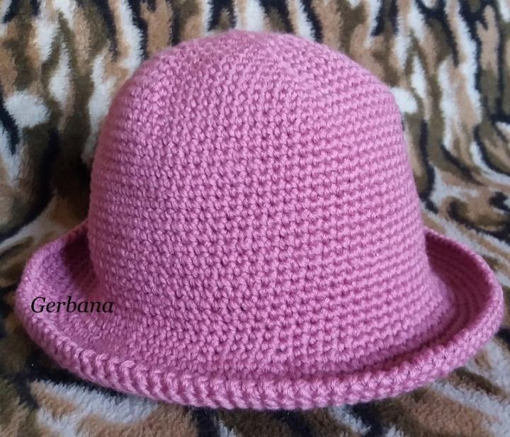 Nerta moteriška kepurė